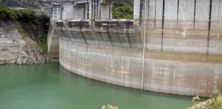 """""""En Jigüey estamos llegando al nivel mínimo por donde se puede sacar agua por el túnel que alimenta la central eléctrica de esta Presa"""", dijo el director de la CAASD."""