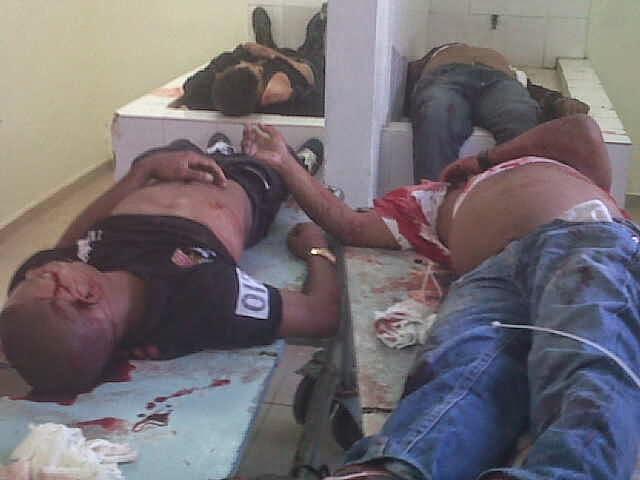 Los cadáveres de los cuatro hombres muertos en un alegado intercambio de disparos con la Policía en Galván.