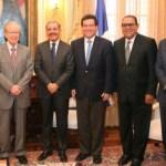 El presidente Danilo Medina con los empresarios y directores de periódicos.