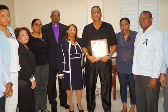 Homenaje póstumo a la maestra Gladys Estela Vicioso Genao