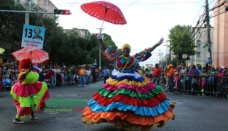 Coloridos y danzas en el Carnaval de Santo Domingo Este (VIDEO)