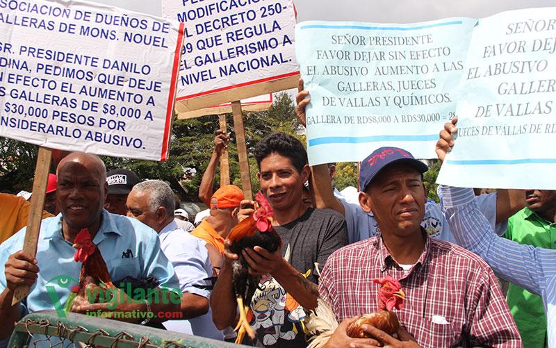 Galleros declaran la Guerra al ministro de Deportes (Video)