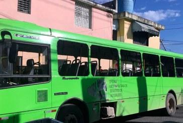 Apresan dos por destrucción autobús de la OMSA durante protestas