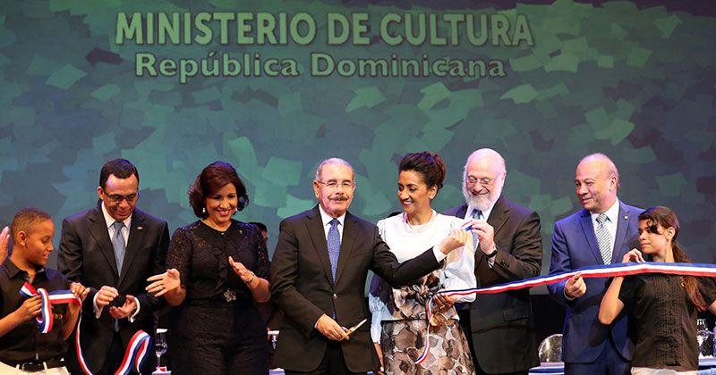 Medina deja inaugurada Feria Internacional del libro Santo Domingo 2018
