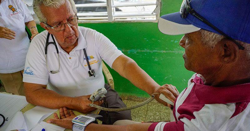 Club Rotario Santo Domingo Mirador lleva operativo médico a Los Botados