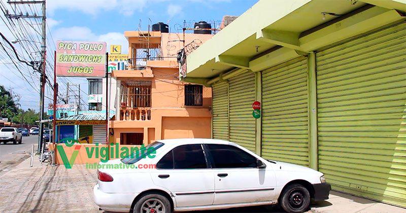 VIDEO cuatro heridos en atraco a pica pollo en Villa Tropicalia
