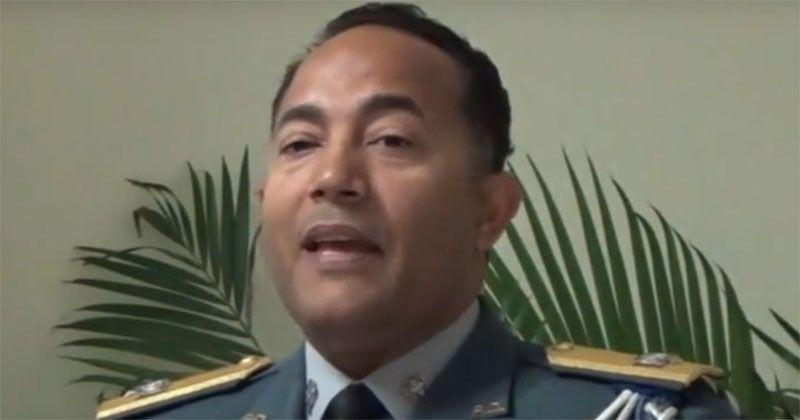 En medio de escándalo sustituyen general Brown Pérez de Baní