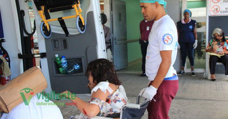 Pareja de venezolanos se accidenta en la avenida Charles de Gauller