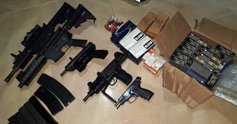 Decomisan armas de distintos calibres y cocaína en Santiago