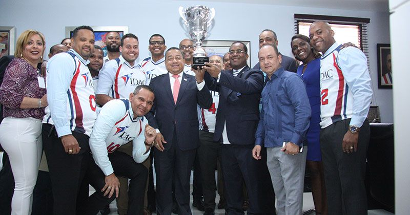 Equipo del IDAC ganar el torneo de baloncesto Aerodom 2019