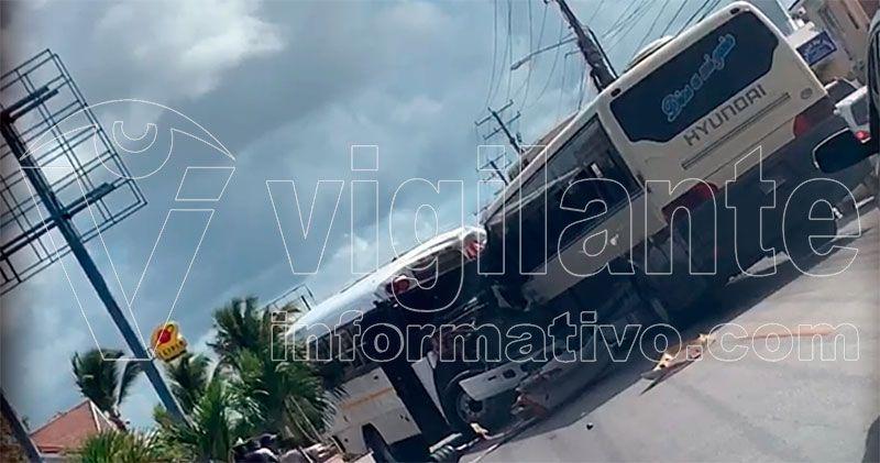 Varios heridos en choque 2 autobuses transporte hotelero en Verón-Punta Cana