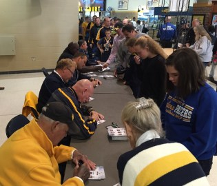 2015-10-18 Pacers FanJam - broadcasters signing