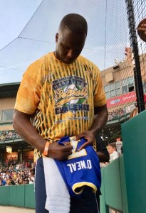 2017-06-15 Jermaine O'Neal signs jersey