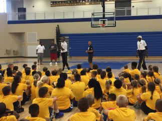 2017-06-20 Glenn Robinson III talks with campers
