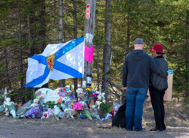 Tueur en Nouvelle-Écosse: la crise de la COVID-19 l'aurait rendu paranoïaque, selon le mandat
