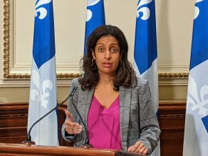 Crise d'Octobre: Anglade aide les fédéraux contre le Québec