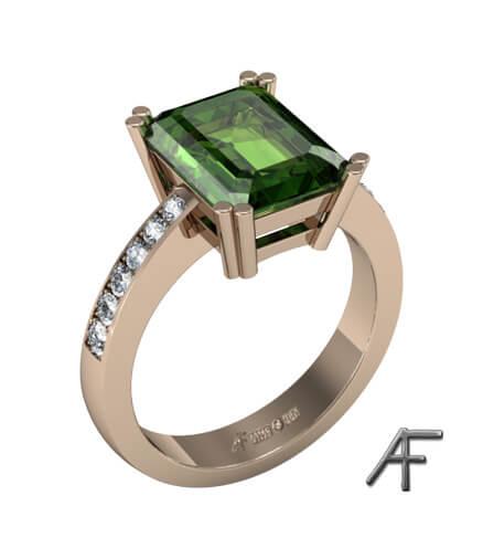 Grön turmalin med diamanter i 18 k guldring