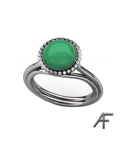 vitguldsring med grön sten och diamanter