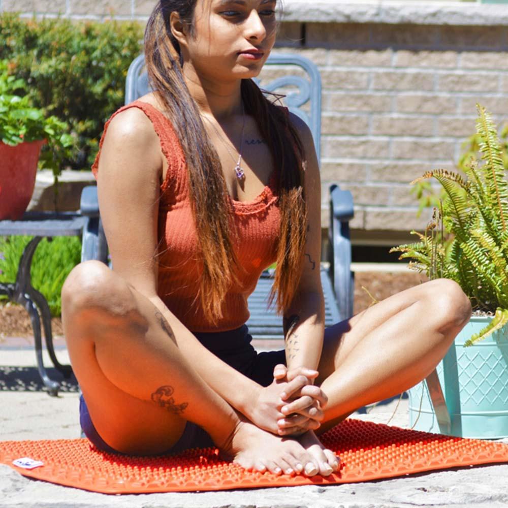 yoga woman on vigurus mat