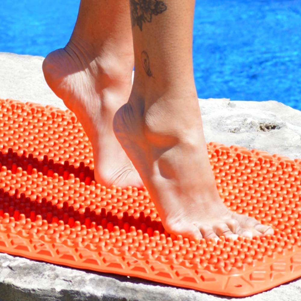 yoga feet on vigurus mat