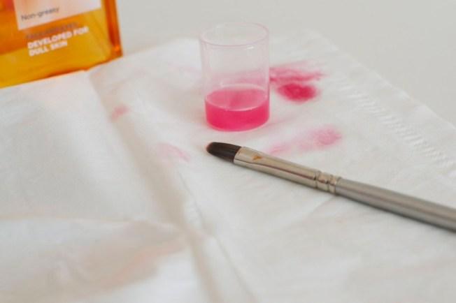 huulipunasiveltimen_puhdistus