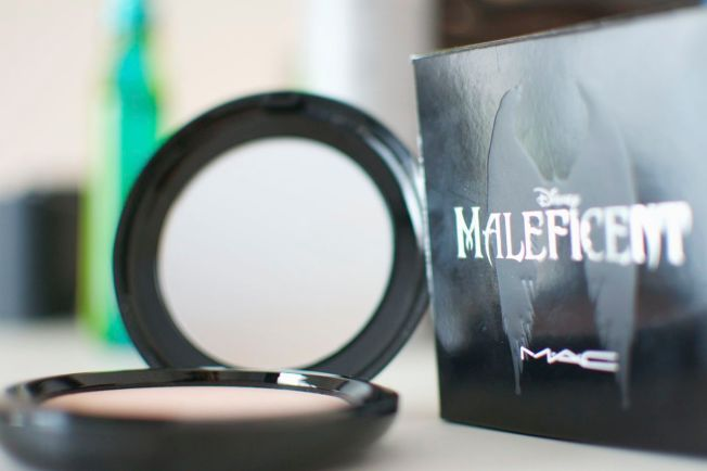 mac_maleficent_beauty_powder