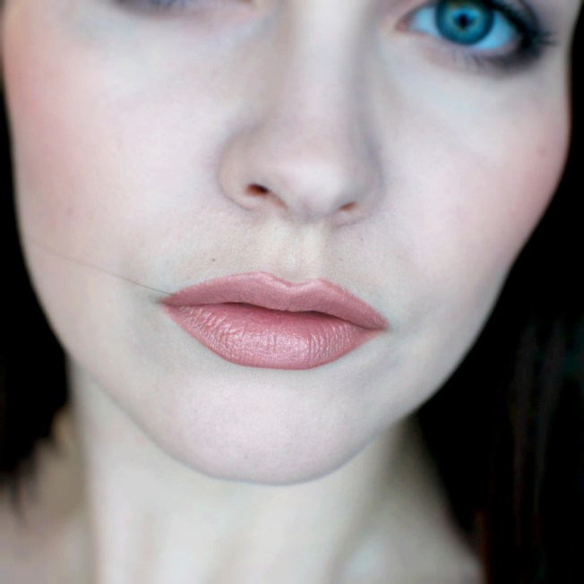 isommat_huulet_