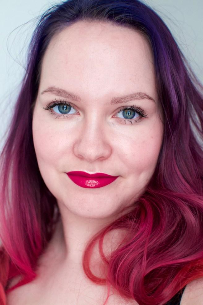 blue_pink_hair_elumen_viilankantolupa