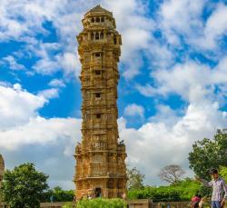राजस्थान की शान है यह अनूठा किला, जाने के लिए हैं सात दरवाजे