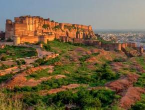 500 साल पुराना है यह किला, INDIA के 10 खूबसूरत FORTS की खासियत
