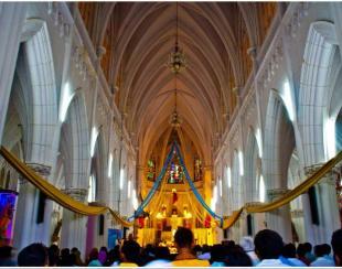 - सेंट फिलोमिना चर्च की ब्यूटी दर्शाता फोटो, बता दें कि कर्नाटक के मैसूर में इस चर्च की ख्याति दुनियाभर में है। आगे की स्लाइड्स पर क्लिक करके अन्य प्रमुख चर्च की तस्वीरें देखिए.....