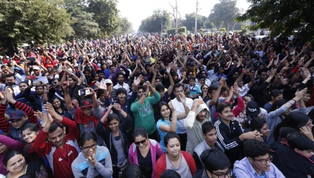 Thousands of people come out of their houses to celebrate the 1st anniversary of Raahgiri Day