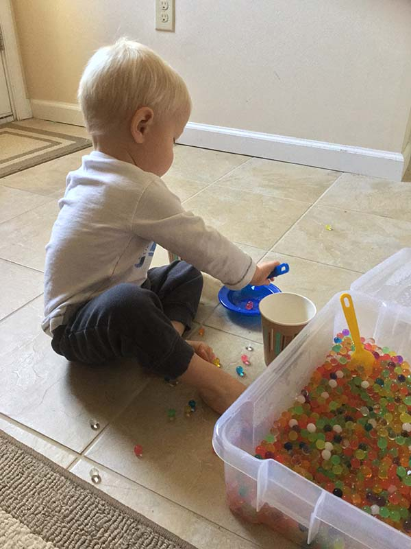 vika raskina - boy playing with jelo