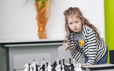 Как научить ребёнка играть в шахматы