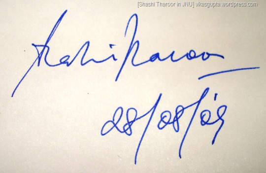 Autograph signature of Shashi Tharoor