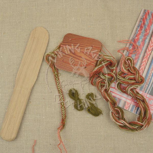 Kit for tablet weave from Kaupang - olive and red