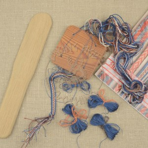 Kit for tablet weave from Oseberg - red and blue