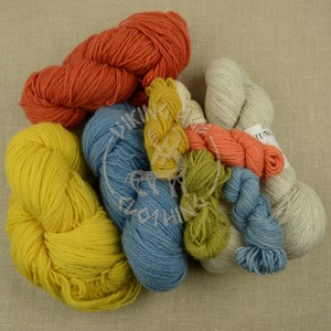 Tuna wool yarn - plant-dyed and in natural colours