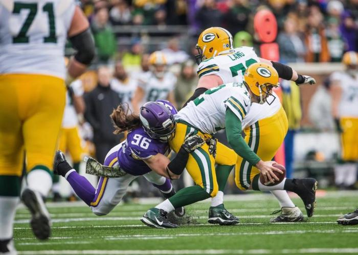 Danielle Hunter vs. Brian Robison