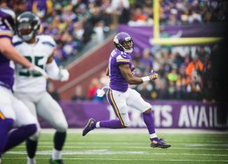 Minnesota Vikings release Mike Wallace