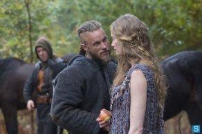 Vikings - Episode 1.09 - All Change - Promotional Photos (1)_595_slogo