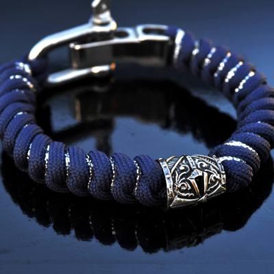 Фото плетеный паракордовый браслет с застёжкой