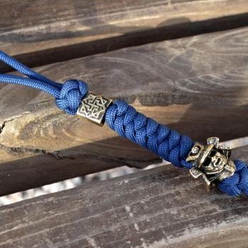 Фото темляк / брелок из паракорда с бусиной валькирия