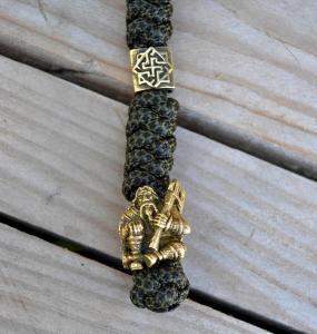 Фото темляк из паракорда для ножа с бусинами валькирия и викинг
