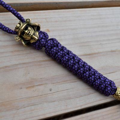 Фото фиолетовый темляк из паракорда для ножа с бусиной шлем самурая