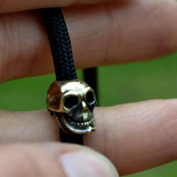 Фото бусина в виде черепа для браслета