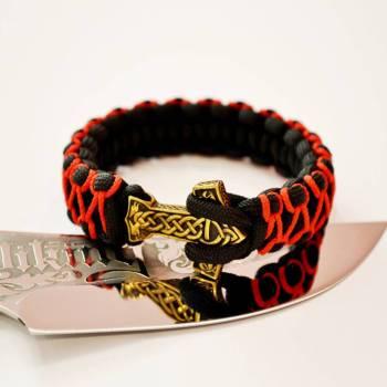 Фото оранжевый с черным браслет из паракорда с молотом Тора