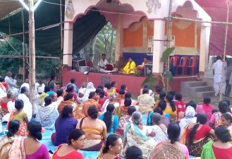 Audience listening to kirtana