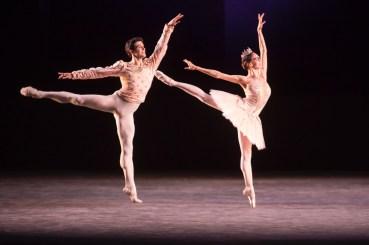 Viktorina Kapitonova Roberto Bolle Dancing Christian Spuck's Grand pas des Deux Bolle & Friends Tour 2016
