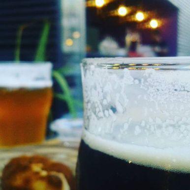 Tomando unas cervezas en Bicicleta Bar en Nueva Cordoba
